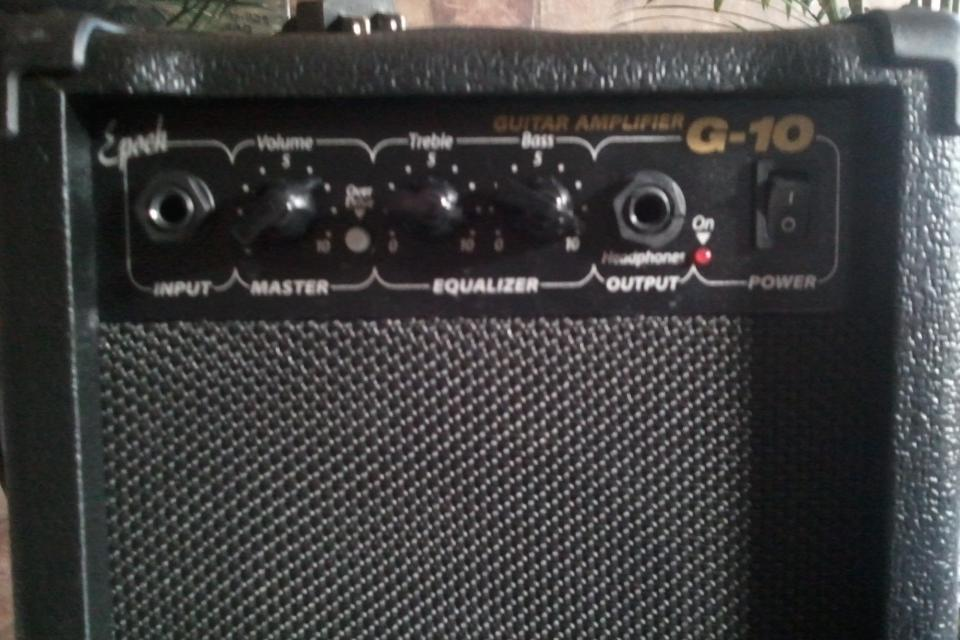 Guitar Amplifier G-10 Large Photo