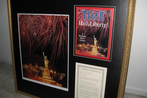 RARE Neil Leifer Statue of Liberty SIGNED Photo Includes TIME Mag & Cert of Authenticity Photo