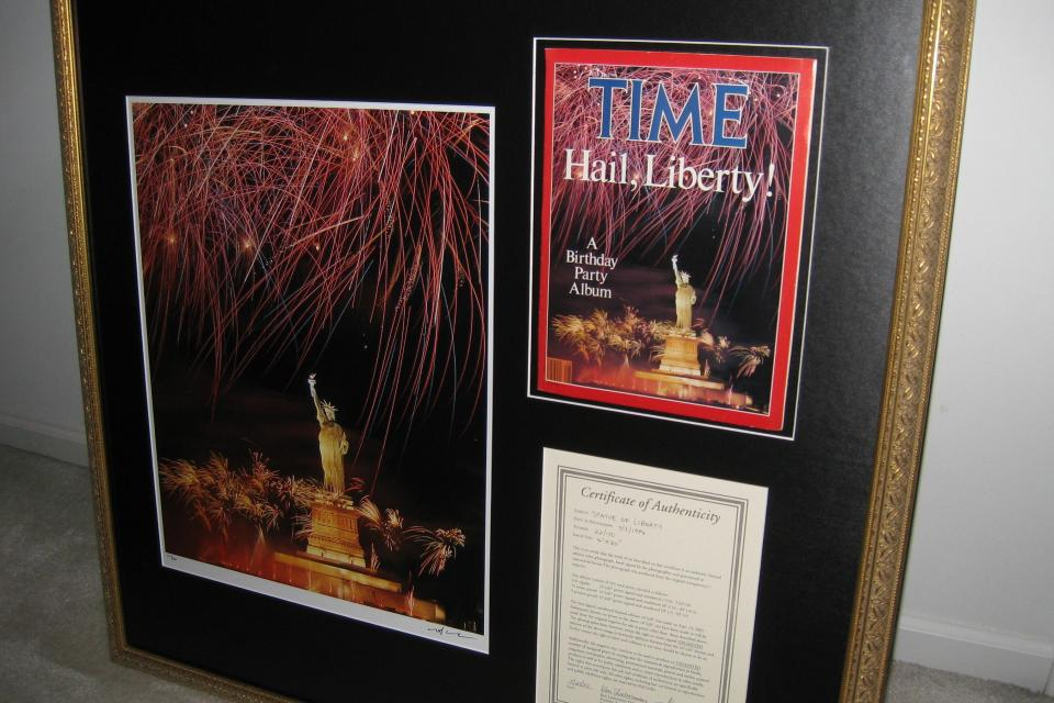RARE Neil Leifer Statue of Liberty SIGNED Photo Includes TIME Mag & Cert of Authenticity Large Photo