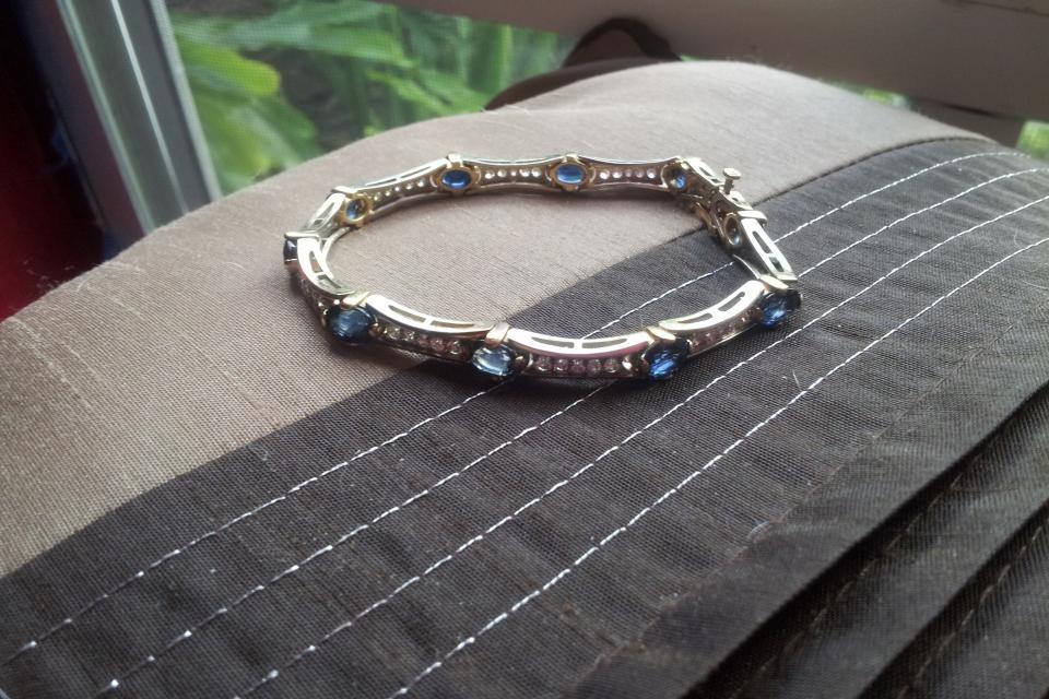 Diamond and RARE sapphire tennis bracelet. Large Photo