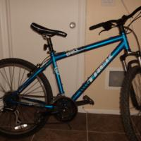 Trek 820 Mountain Bike Photo