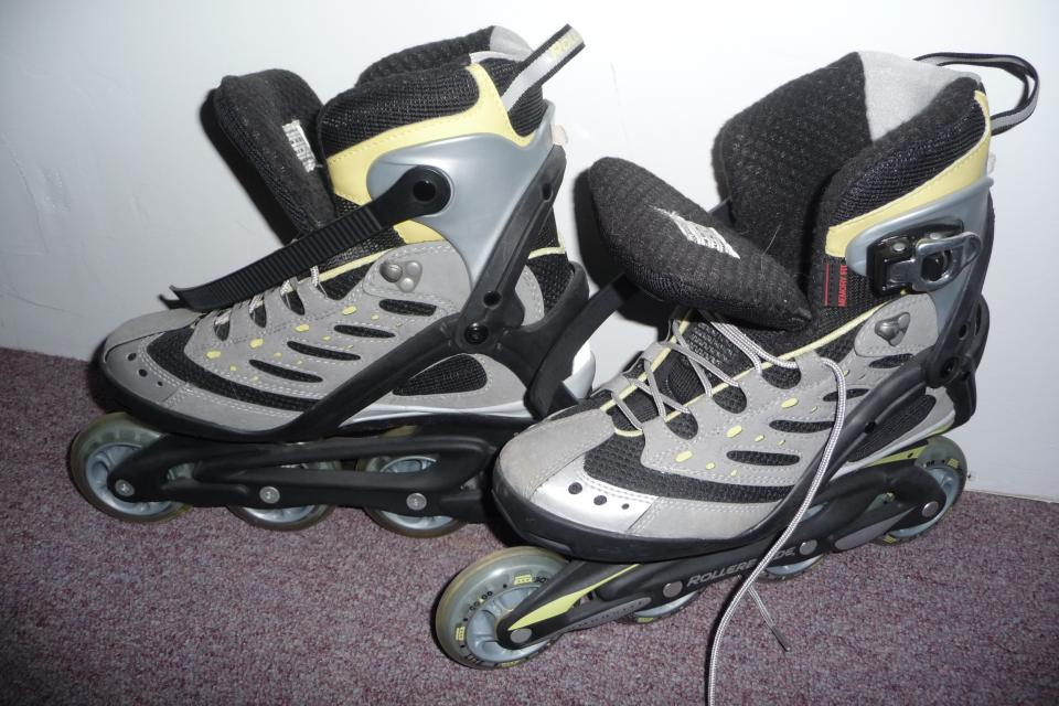 Rollerblade Aero 5W Womens Size 7 Large Photo