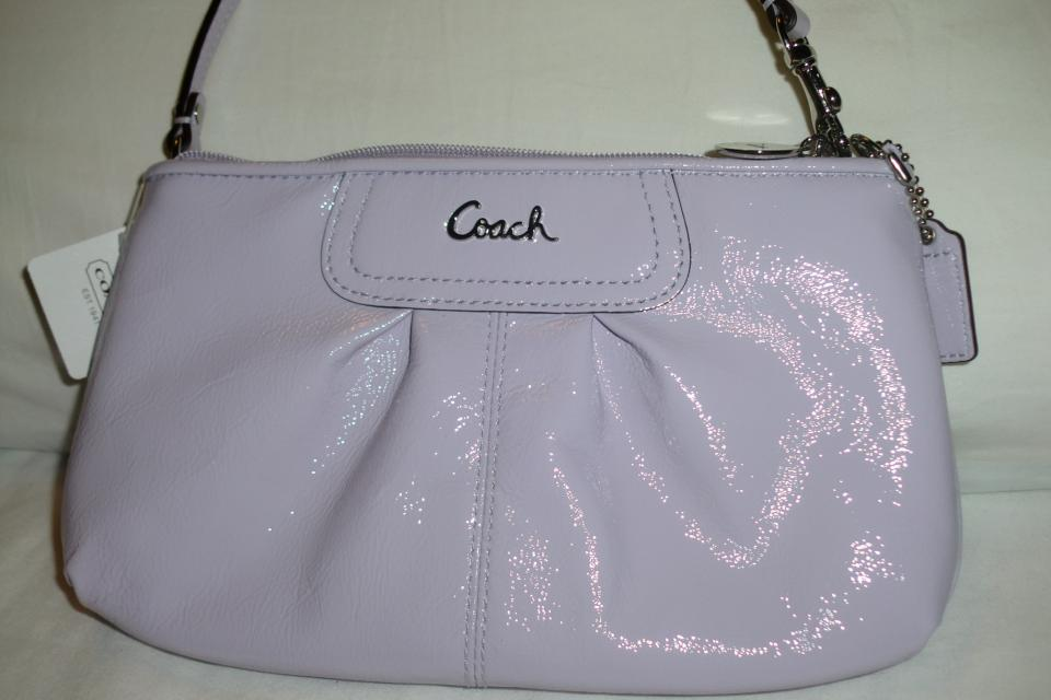 COACH PATENT LARGE WRISTLET Large Photo