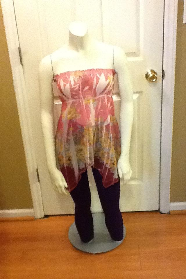 Venus Strapless Blouse- Size M Photo