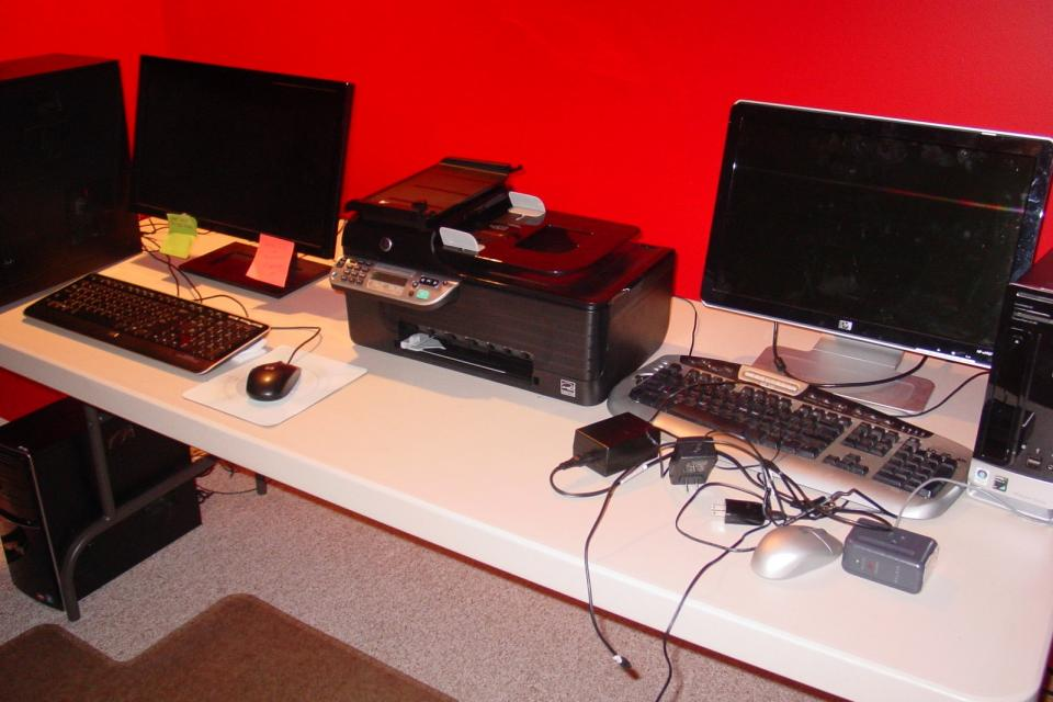 NEW Two Computers w/ Monitors, Printer, & Accessories. Hewlett-Packard & Dell Large Photo