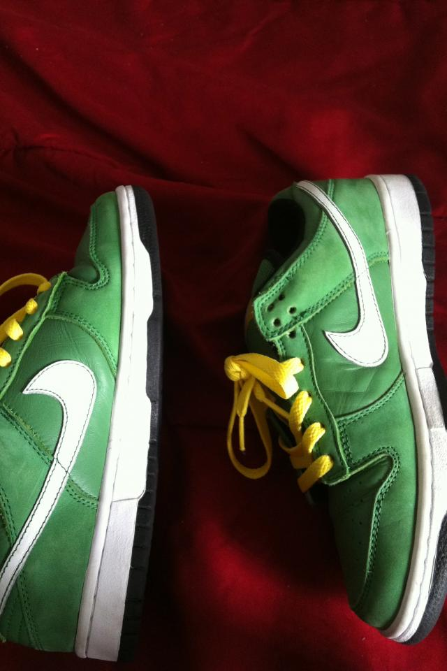 Nike SB Dunk Low Green Taxi's Photo