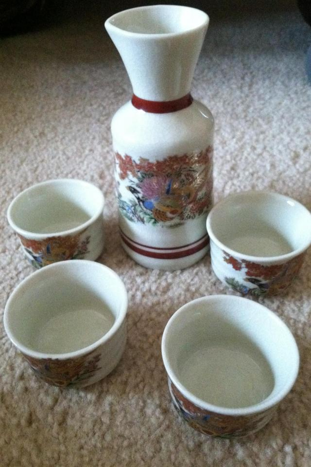 Antique sake set  Large Photo