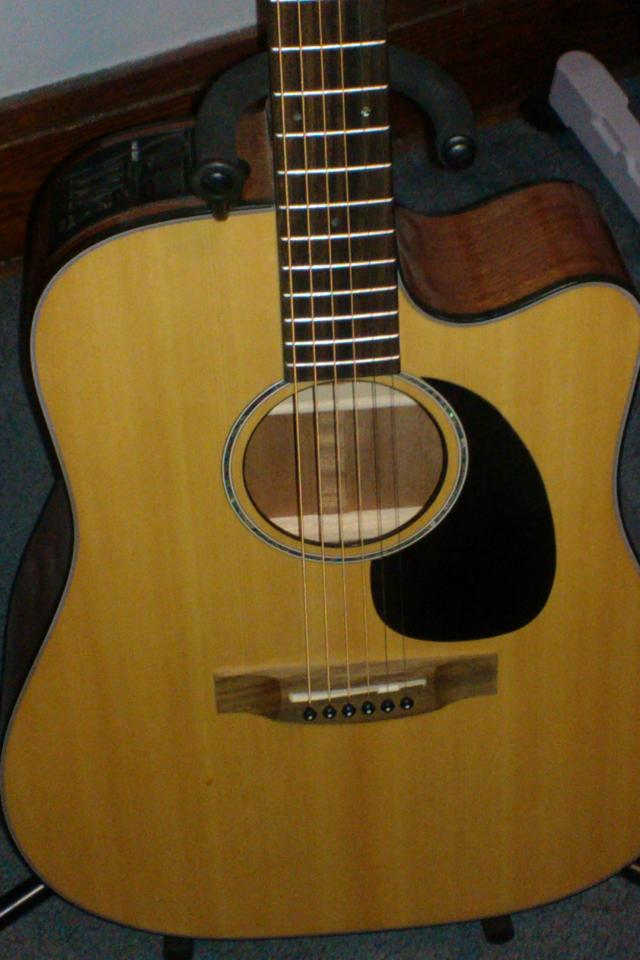 Takamine EG340C Acoustic Guitar - Like New Large Photo