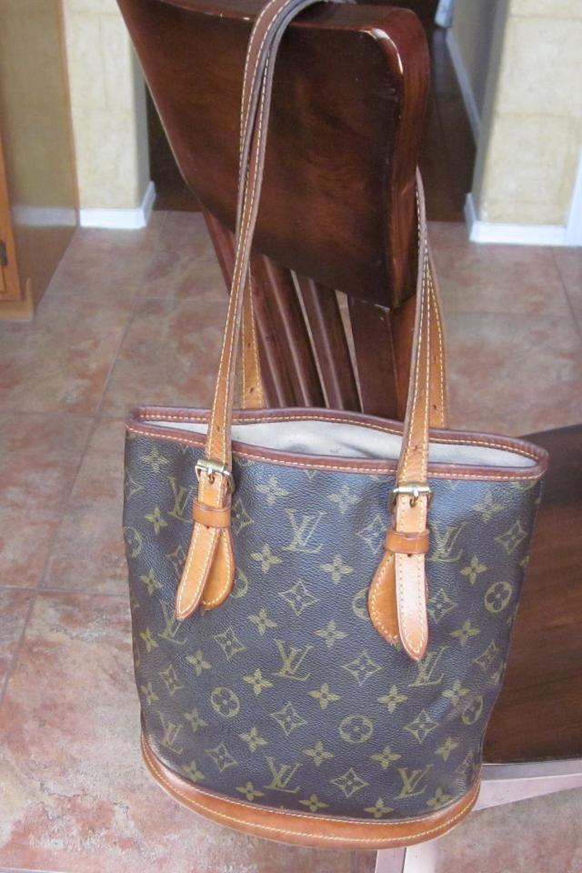 Louis Vuitton Monogram Canvas Petit Bucket Tote Photo