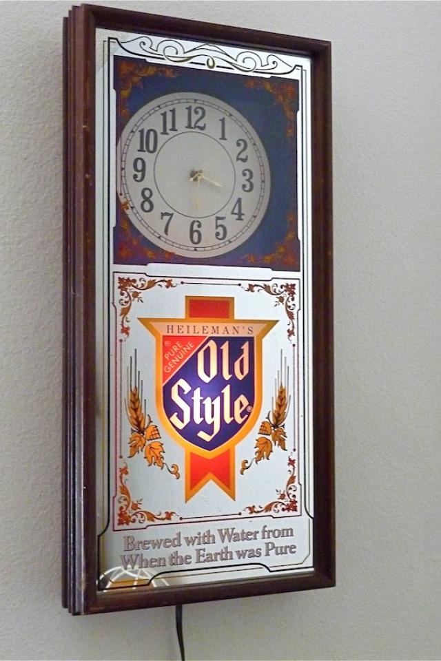 Vintage Old Style Beer Clock Large Photo