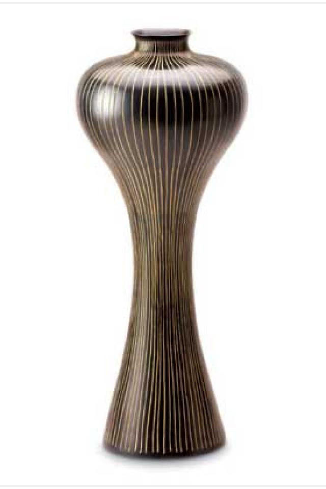 Beautiful tall pinstripe vase Large Photo