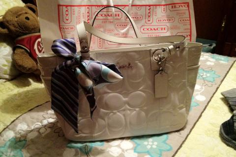 Coach patent white leather and pony  Photo