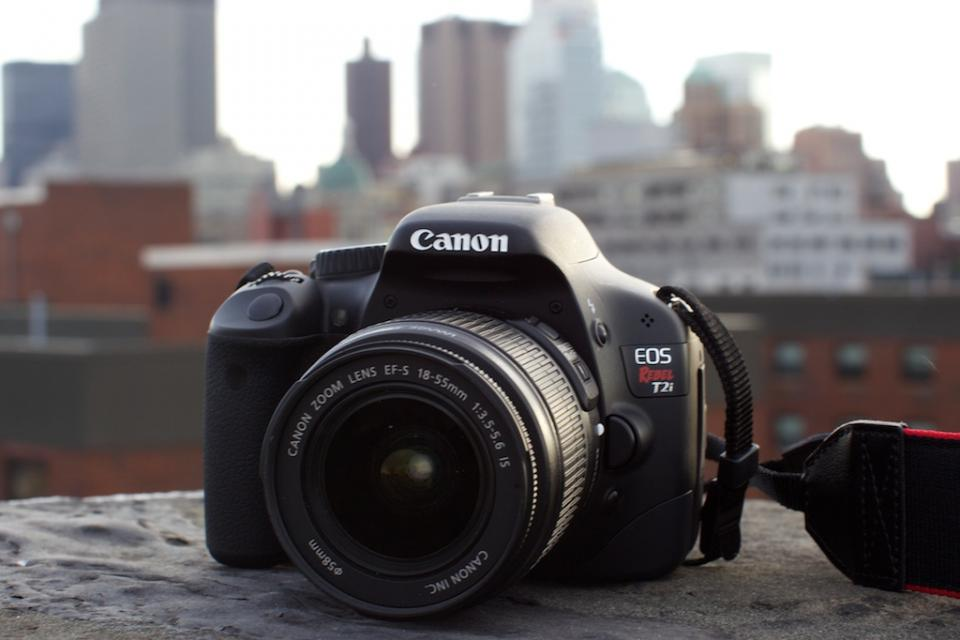 Canon Rebel t2i - Body Only Large Photo