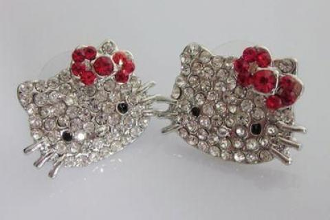 Hello kitty earrings Photo