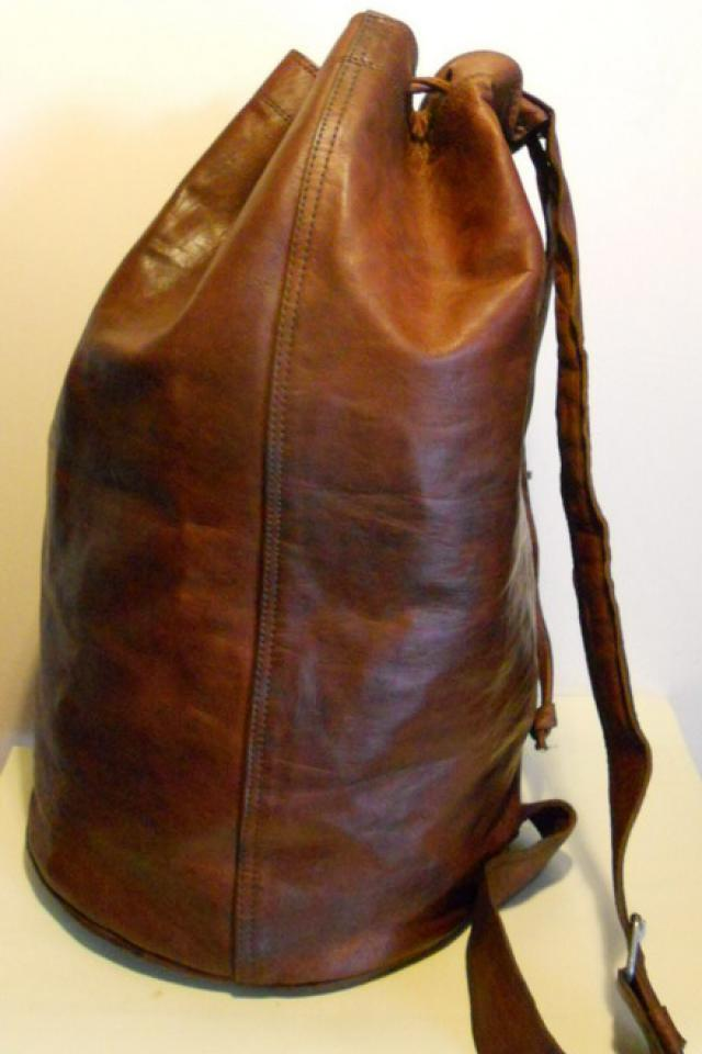 Great RARE XXL leather weekend bag, knapsack with long handle Photo