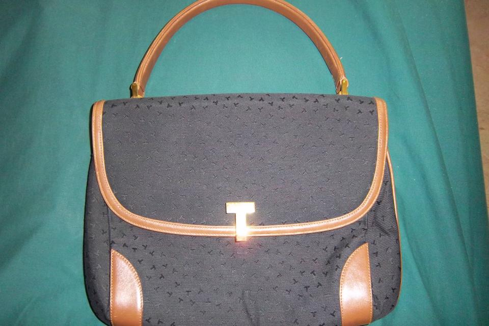 Authentic Designer's Vintage Tiffany & Co purse Large Photo