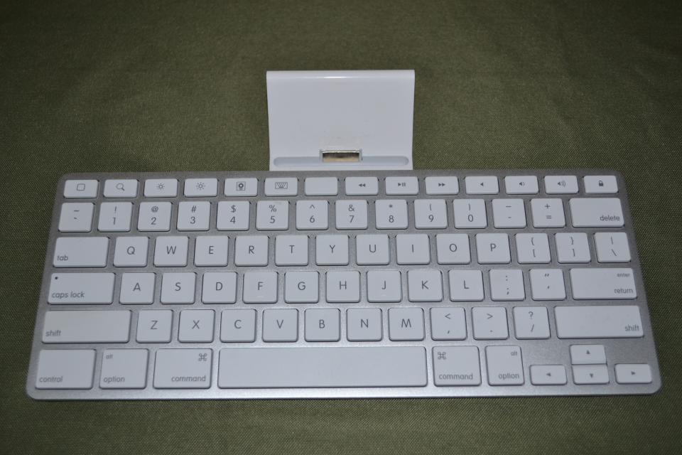 Apple Ipad Docking Keyboard Large Photo