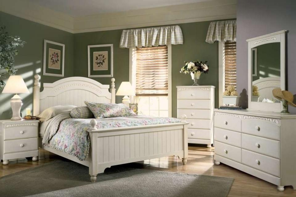 Ashley Furniture Cottage Retreat Bedroom Set 960 x 640