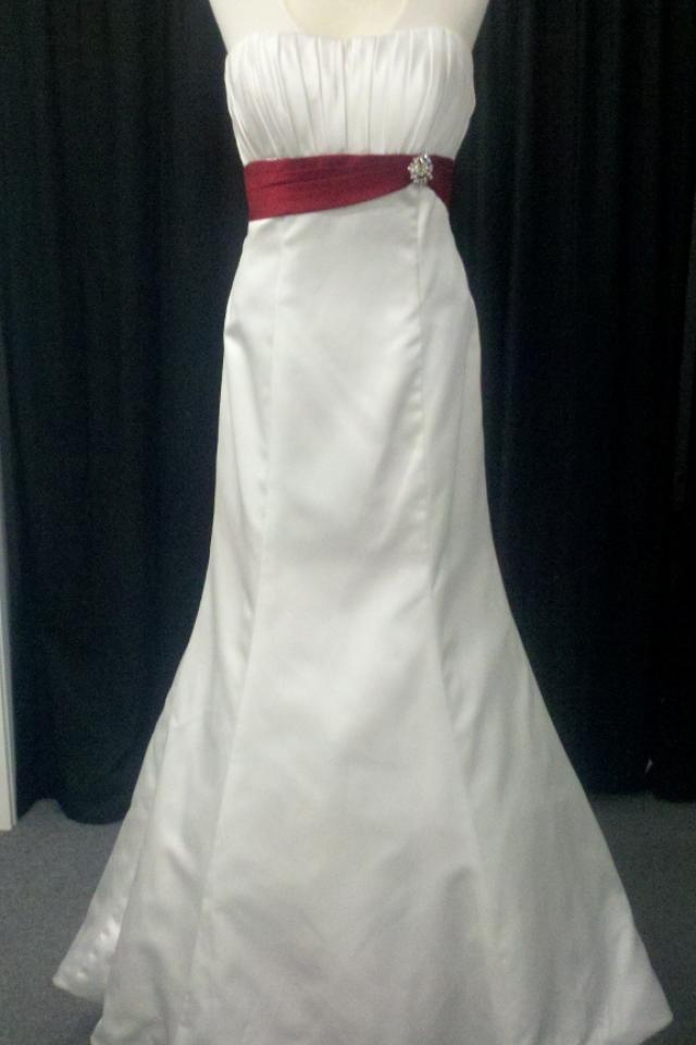 New Ivory/Claret Satin Wedding Dress Sz 10 Large Photo