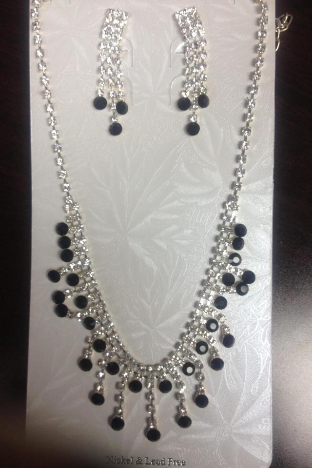 Necklace & Earring Set Photo