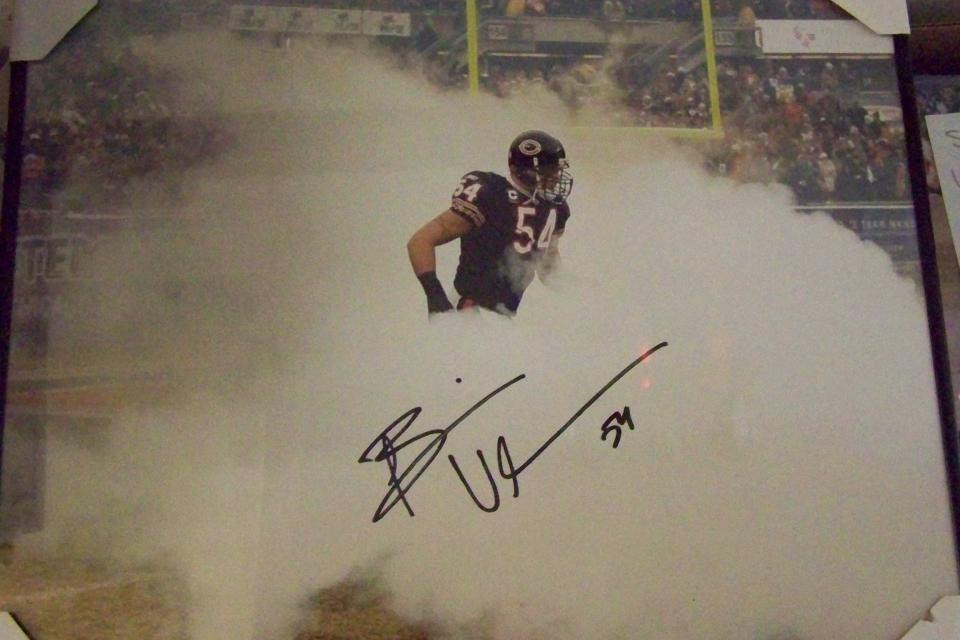 BRIAN URLACHER SIGNED 16x20 PHOTO FRAMED..JSA CERTIFICATE OF AUTHENTICITY Large Photo