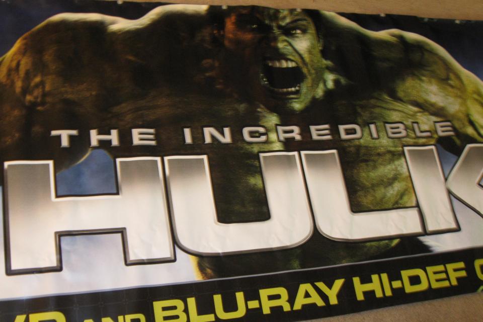 HUGE Incredible Hulk vinyl banner  Large Photo