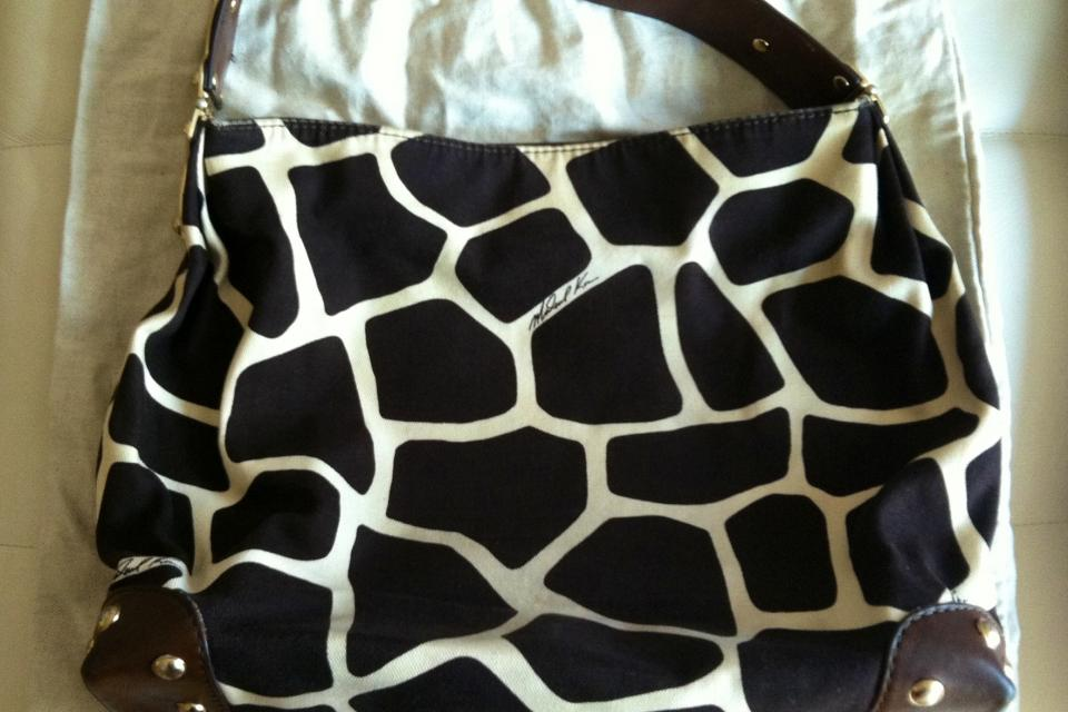 Michael Kors Giraffe-Print Satchel Large Photo