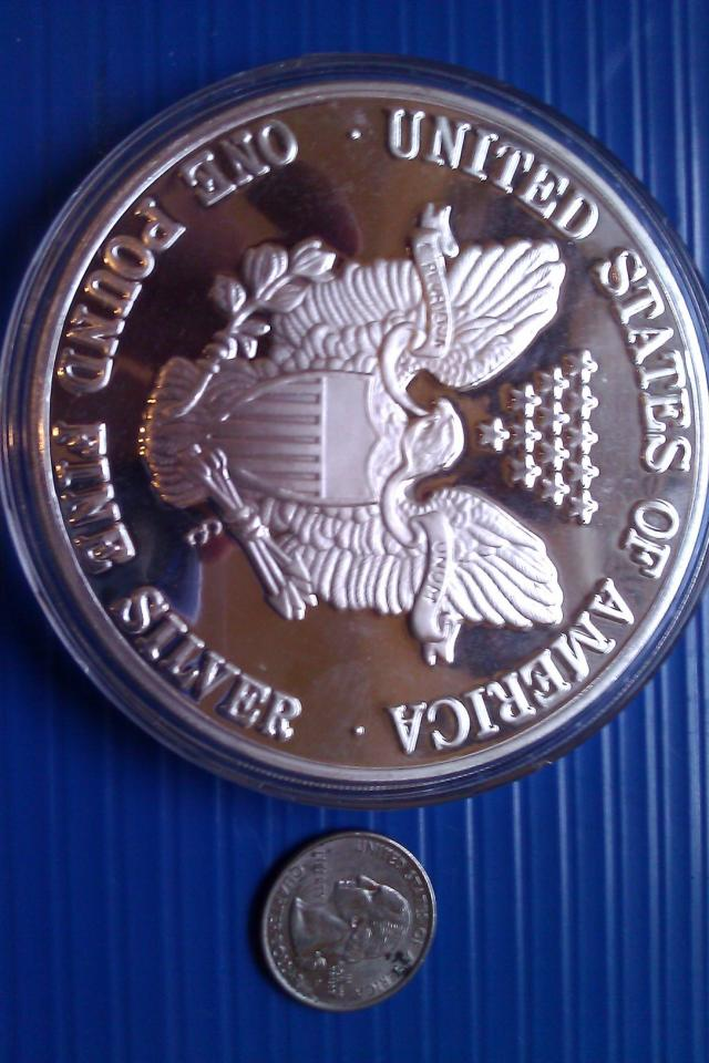 GIANT SILVER EAGLE ONE POUND ! COIN Photo