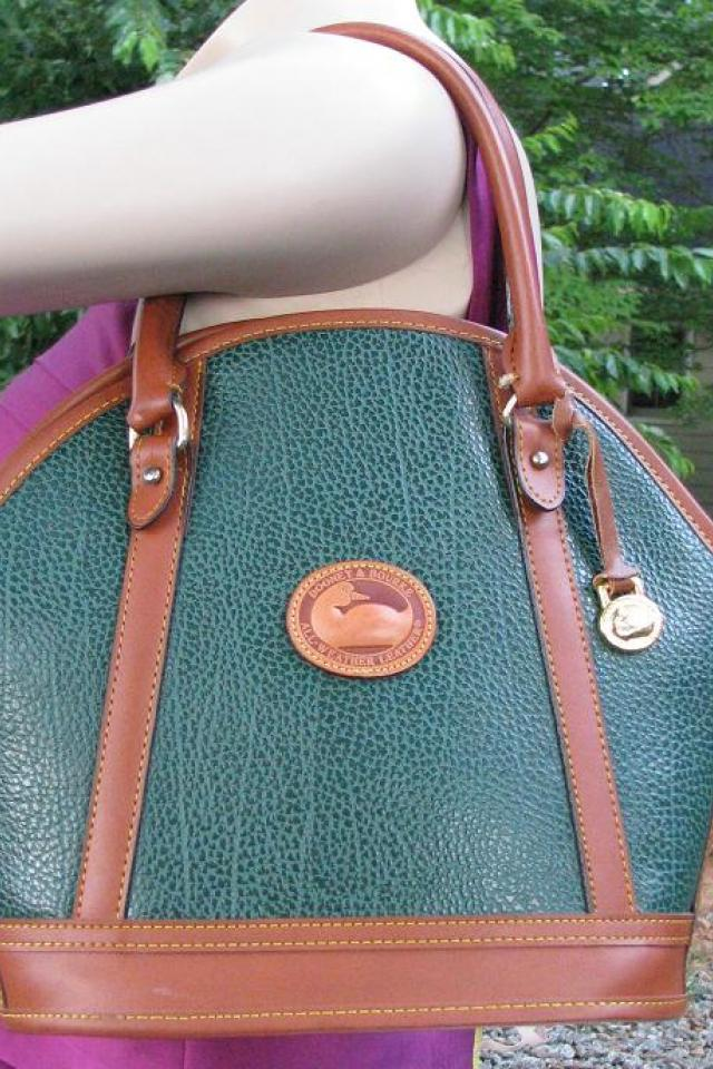 ♥♥♥Dooney & Bourke♥♥♥ Green Medium All Weather Tote, Stylish!!! Large Photo