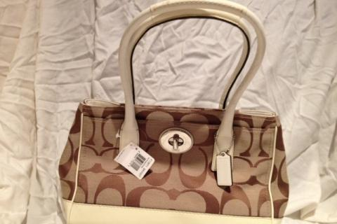 NWT Coach Signature Bag Photo