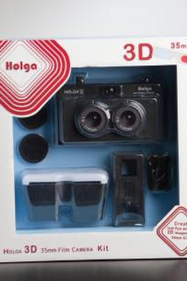 Holga 135 3D Stereo Camera Kit RETRO VINTAGE PHOTO 35mm film point & shoot sale  Photo