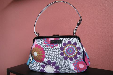 Isabella Fiore Purse Photo