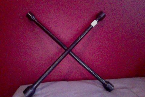 Cross wrench/ tire iron/ 4 way  Photo