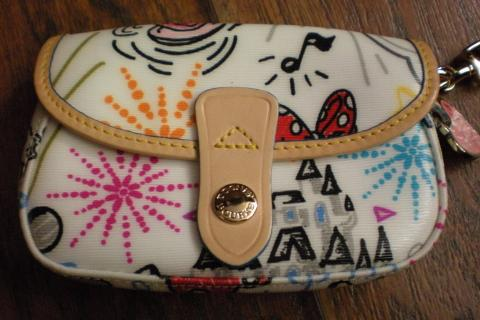 Dooney & Bourke Disney wristlet Photo