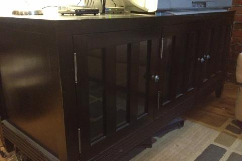 TV Console Cabinet (Solid Wood) Photo
