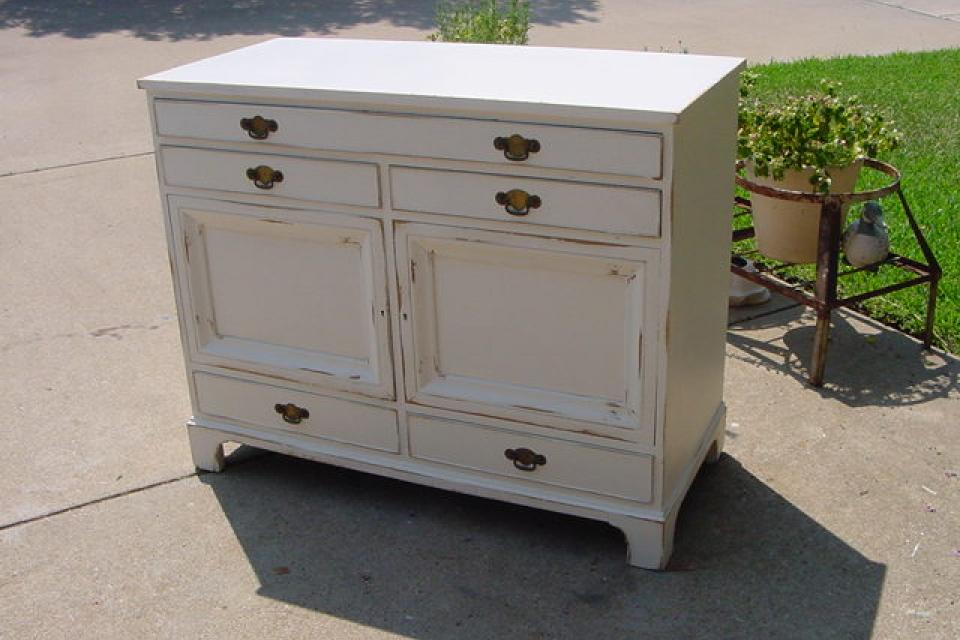 SERVER BUFFET 5 DRAWERS TWO DOORS LOTS OF STORAGE Large Photo
