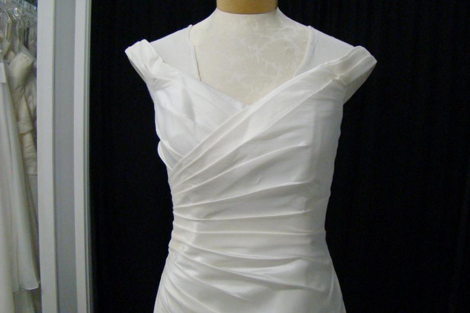 New Ivory Taffeta Lace Up Wedding Dress Sz 10 Large Photo