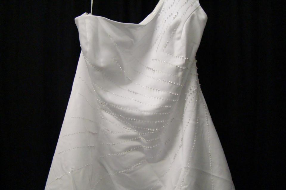 New White Satin Beaded One Shoulder Wedding Dress Sz 18 Large Photo