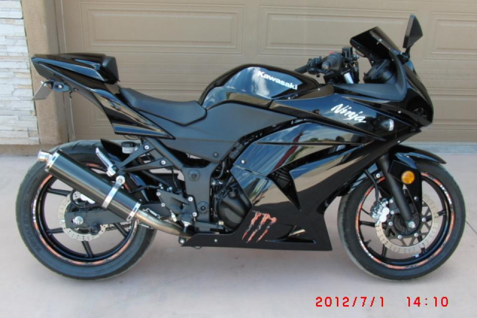 Like NEW 08 Kawasaki Ninja Zx250 Low Miles ONLY 1715 Large Photo