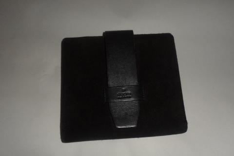 Authentic Gucci suede wallet  Photo