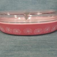 vintage Pyrex casserole dish Photo