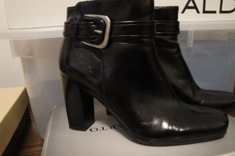 Franco Sarto PU Ankle Boots sz7 Photo
