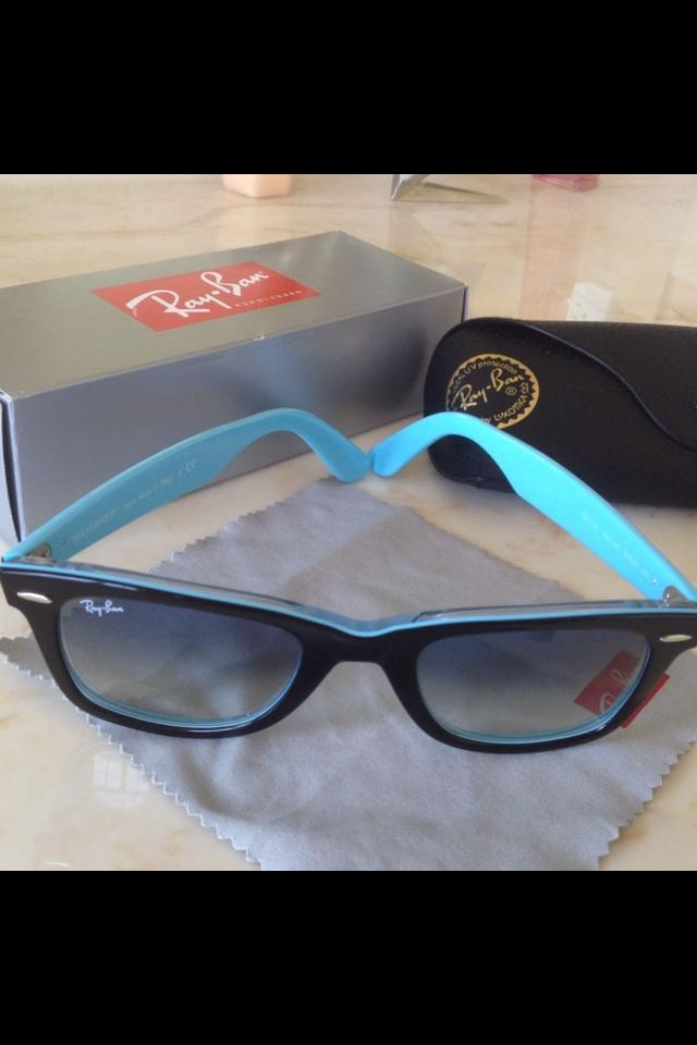 Authentic Ray Ban Wayfarer Photo