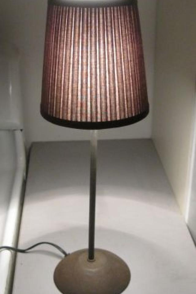 small pottery barn lamp Photo