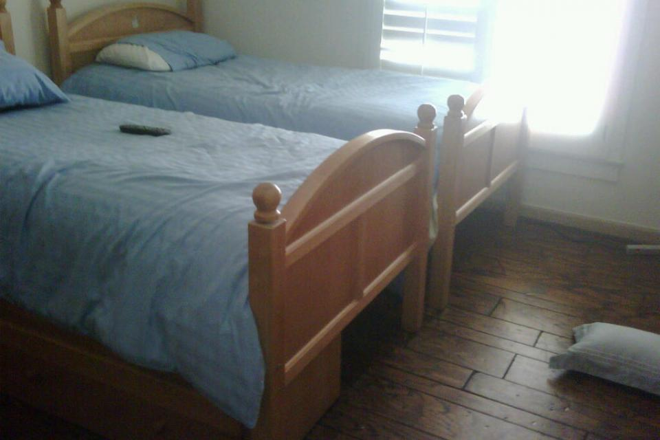TWIN BED (2), NIGHTSTAND, DRESSER Large Photo