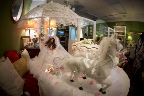 Sweet Sixteen or wedding arrangement  Photo
