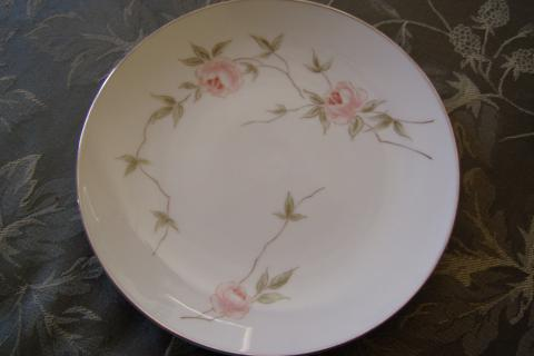 FRANCISCAN PORCELAIN CHINA MELROSE 8 1/4