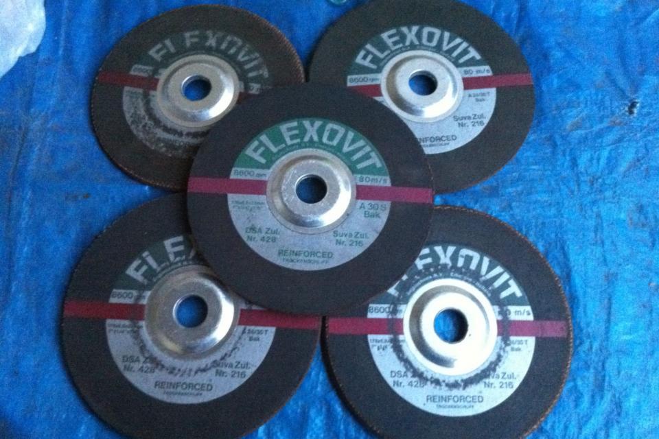 Lot of 5 7 Inch Flexovit A24/30T Metal Grinding Wheels Large Photo