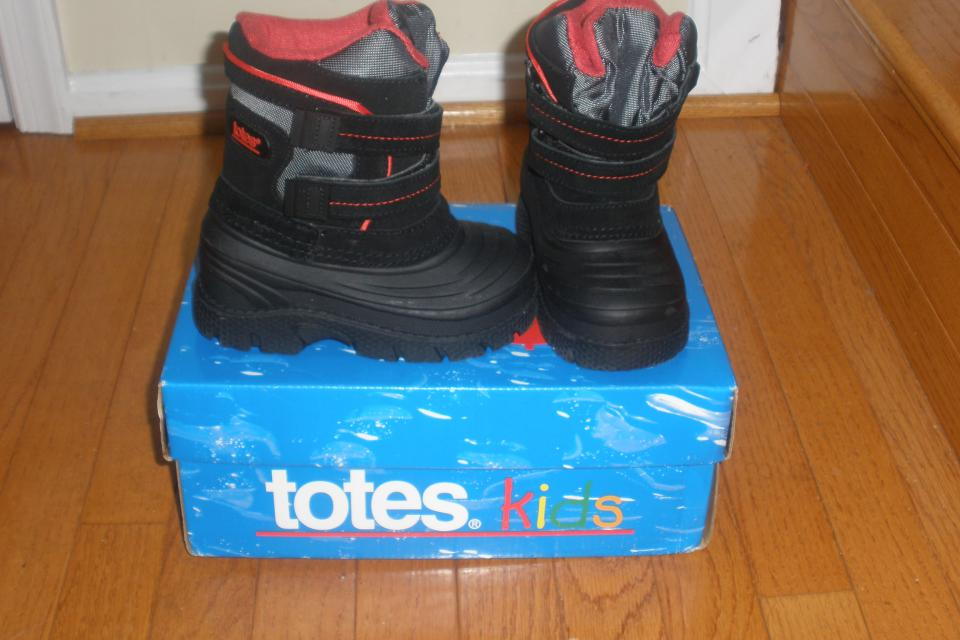Totes Kids Snow Boots Large Photo