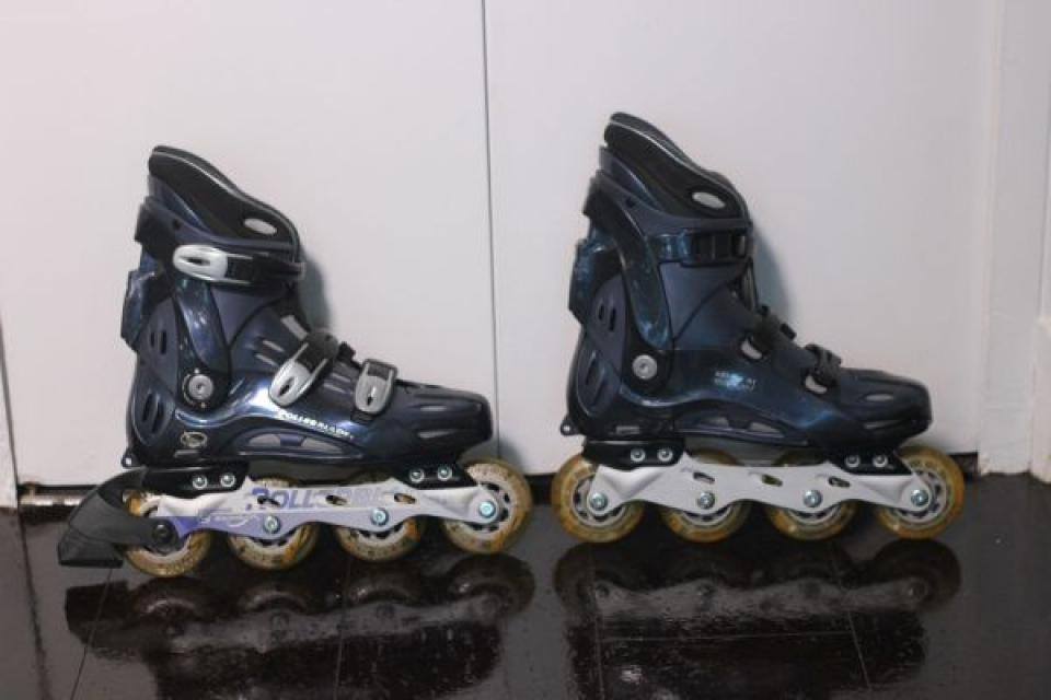 Women's Sz 8 Rollerblades + Accessories Large Photo